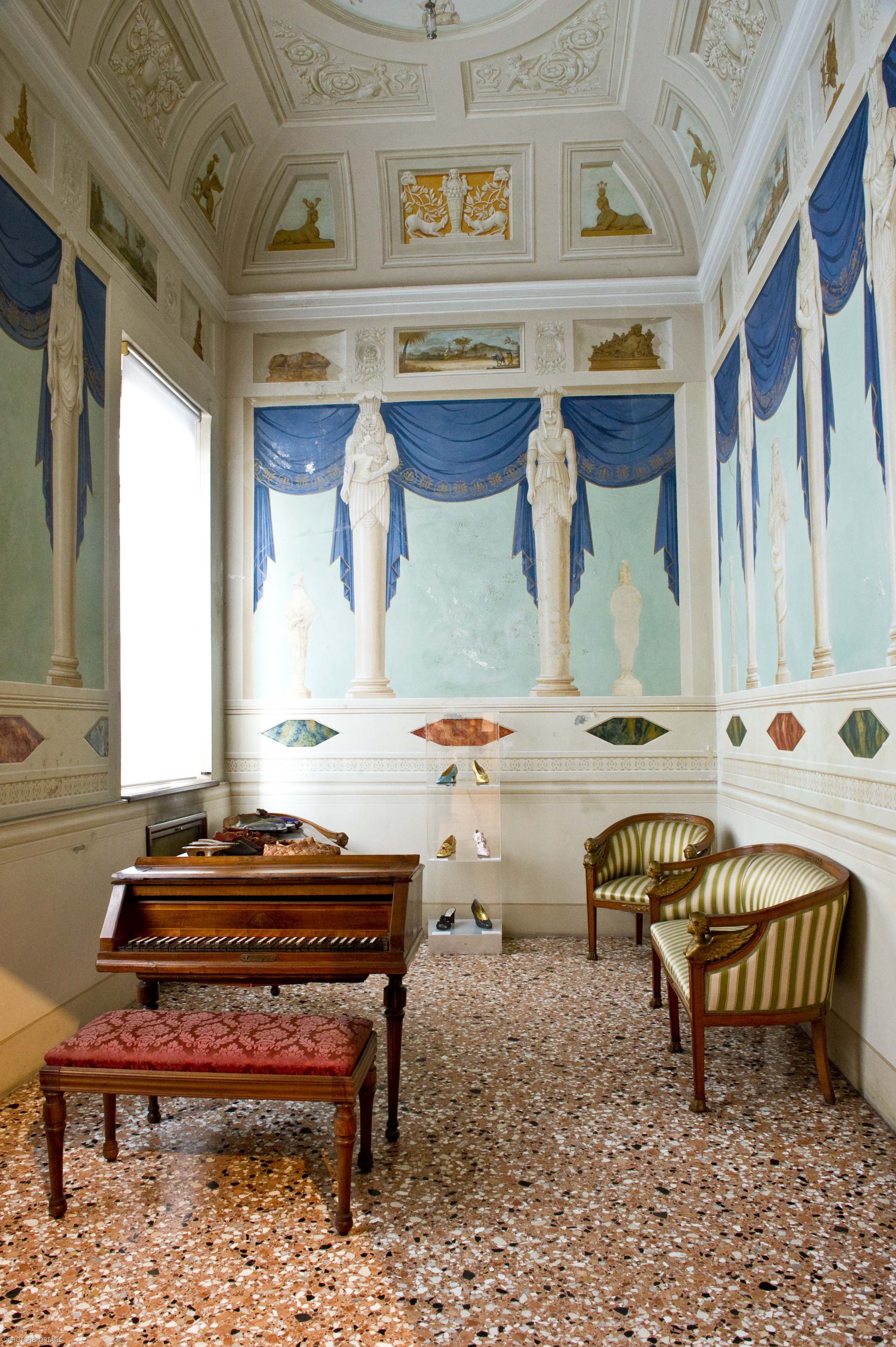 Le origini di quest arte sono particolarmente antiche  la presenza della  Scuola dei Calegheri Veneziani 2f445a5a9b2